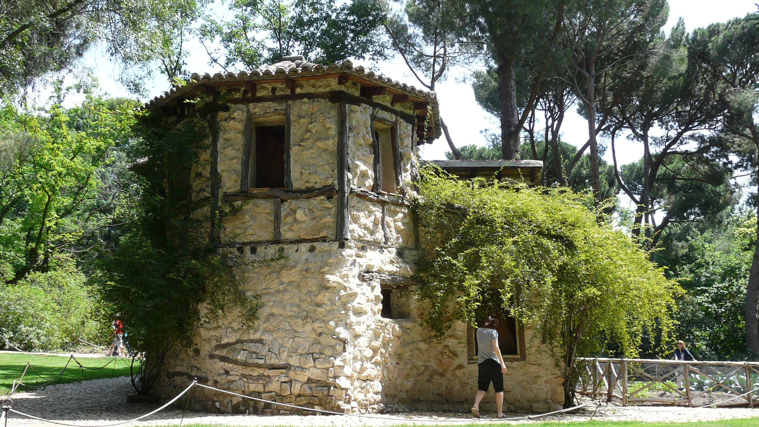 Parque del capricho roundalia for Jardines el capricho